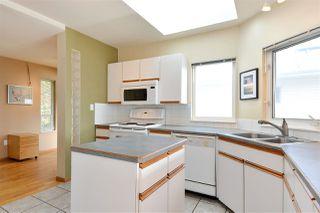 Photo 9: 14659 W BEACH Avenue: White Rock House for sale (South Surrey White Rock)  : MLS®# R2344837