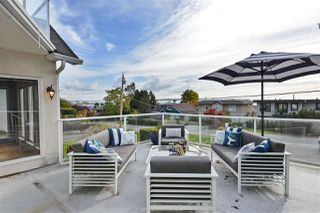 Photo 18: 14659 W BEACH Avenue: White Rock House for sale (South Surrey White Rock)  : MLS®# R2344837