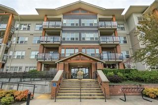 Main Photo: 215 20219 54A Avenue in Langley: Langley City Condo for sale : MLS®# R2345715