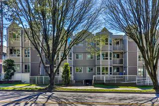 "Main Photo: 103 1516 E 1ST Avenue in Vancouver: Grandview Woodland Condo for sale in ""WOODLAND VILLA"" (Vancouver East)  : MLS®# R2370531"