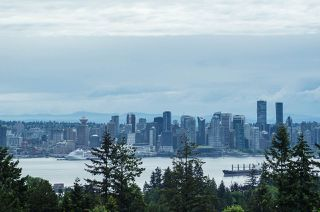 """Main Photo: 510 121 W 29TH Street in North Vancouver: Upper Lonsdale Condo for sale in """"Somerset Green"""" : MLS®# R2370941"""