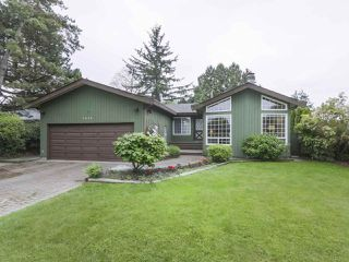 Photo 1: 5254 WALNUT Place in Delta: Hawthorne House for sale (Ladner)  : MLS®# R2372102