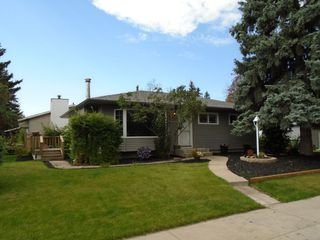 Photo 1: 13304 138 Street NW in Edmonton: Zone 01 House for sale : MLS®# E4172880