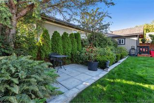 Photo 20: 1826 Hollywood Cres in VICTORIA: Vi Fairfield East House for sale (Victoria)  : MLS®# 825375