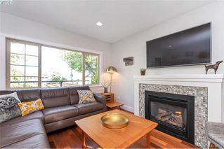 Photo 36: 1826 Hollywood Crescent in VICTORIA: Vi Fairfield East Single Family Detached for sale (Victoria)  : MLS®# 416082