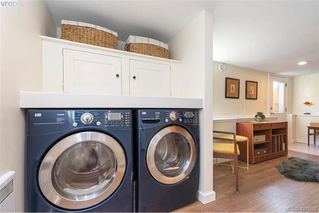 Photo 32: 1826 Hollywood Cres in VICTORIA: Vi Fairfield East House for sale (Victoria)  : MLS®# 825375