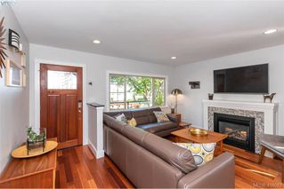 Photo 2: 1826 Hollywood Cres in VICTORIA: Vi Fairfield East House for sale (Victoria)  : MLS®# 825375