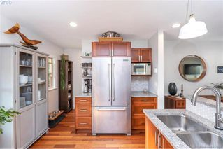 Photo 21: 1826 Hollywood Cres in VICTORIA: Vi Fairfield East House for sale (Victoria)  : MLS®# 825375