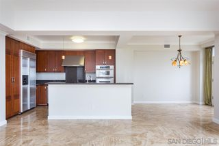 Photo 7: LA JOLLA Condo for sale : 2 bedrooms : 5480 La Jolla Blvd #J303