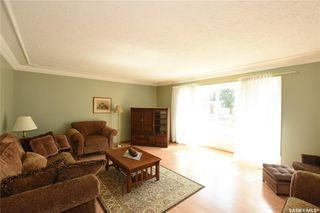 Photo 2: 15 McCready Bay in Regina: Uplands Residential for sale : MLS®# SK823918