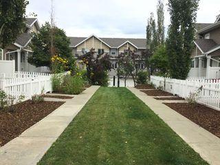 Photo 3: 17 3075 TRELLE Crescent in Edmonton: Zone 14 Townhouse for sale : MLS®# E4214202