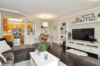 """Photo 8: 105 5450 208 Street in Langley: Langley City Condo for sale in """"MONTGOMERY GATE"""" : MLS®# R2509273"""