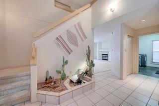 Photo 3: 267 HEAGLE Crescent in Edmonton: Zone 14 House for sale : MLS®# E4221182