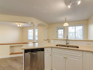 Photo 4: 7 Douglas Glen Common SE in Calgary: Douglasdale/Glen Detached for sale : MLS®# A1051766