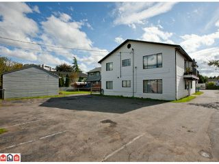 Photo 5: 20199 53RD Avenue in Langley: Langley City House Fourplex for sale : MLS®# F1125426