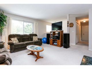 Photo 4: 9211 PRINCE CHARLES Boulevard in Surrey: Queen Mary Park Surrey House for sale : MLS®# F1409362