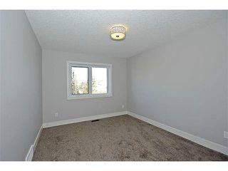 Photo 11: 302 31 Avenue NE in Calgary: Tuxedo House for sale : MLS®# C3649453