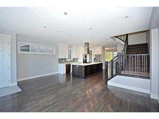 Photo 7: 302 31 Avenue NE in Calgary: Tuxedo House for sale : MLS®# C3649453
