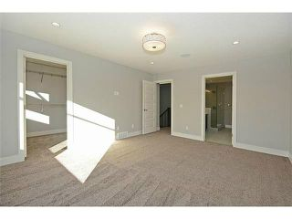 Photo 9: 302 31 Avenue NE in Calgary: Tuxedo House for sale : MLS®# C3649453