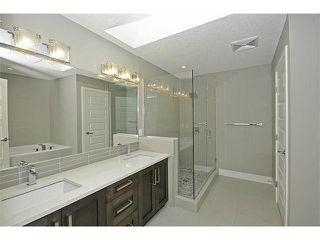 Photo 10: 302 31 Avenue NE in Calgary: Tuxedo House for sale : MLS®# C3649453