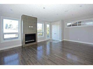 Photo 6: 302 31 Avenue NE in Calgary: Tuxedo House for sale : MLS®# C3649453