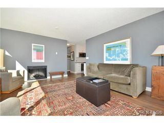 Photo 3: 1005 327 Maitland St in VICTORIA: VW Victoria West Condo Apartment for sale (Victoria West)  : MLS®# 690420
