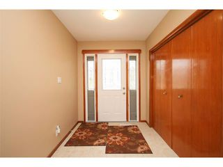 Photo 2: 1340 NORTHCOTE Road NW in Calgary: North Haven House for sale : MLS®# C4014234