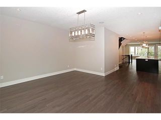 Photo 5: 2116 17A Street SW in Calgary: Bankview House for sale : MLS®# C4027645