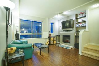 Photo 4: 20 301 KLAHANIE Drive in Port Moody: Port Moody Centre Townhouse for sale : MLS®# R2032725