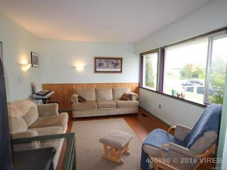 Photo 2: 1739 Lewis Ave in COURTENAY: CV Courtenay City House for sale (Comox Valley)  : MLS®# 728145