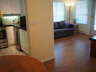 "Photo 8: 302 130 W 22ND Street in North Vancouver: Central Lonsdale Condo for sale in ""The Emerald"" : MLS®# R2078620"