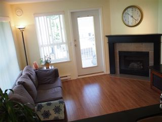 "Photo 3: 302 130 W 22ND Street in North Vancouver: Central Lonsdale Condo for sale in ""The Emerald"" : MLS®# R2078620"