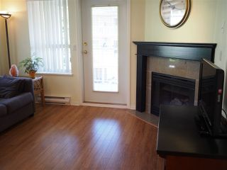 "Photo 5: 302 130 W 22ND Street in North Vancouver: Central Lonsdale Condo for sale in ""The Emerald"" : MLS®# R2078620"