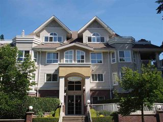 "Photo 1: 302 130 W 22ND Street in North Vancouver: Central Lonsdale Condo for sale in ""The Emerald"" : MLS®# R2078620"