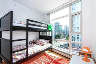 "Photo 9: 1005 189 DAVIE Street in Vancouver: Yaletown Condo for sale in ""Aquarius III"" (Vancouver West)  : MLS®# R2106888"