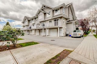 Photo 2: 6 5255 201A Street in Langley: Langley City Townhouse for sale : MLS®# R2160090