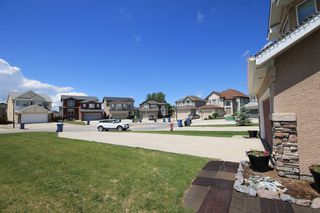 Photo 3: 43 Tamarisk Cove in Winnipeg: All Season Estates Residential for sale (3H)  : MLS®# 1715672