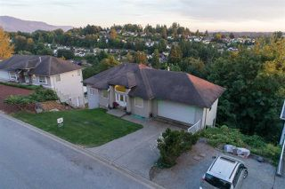 """Photo 1: 2773 ST MORITZ Way in Abbotsford: Abbotsford East House for sale in """"Glen Mountain"""" : MLS®# R2192404"""