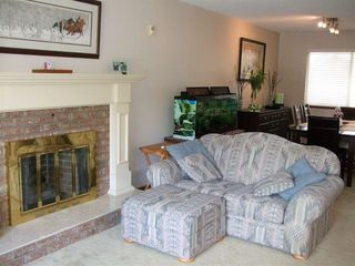 Photo 3: 18038 61 ave in Surrey: Cloverdale BC House for sale (Cloverdale)  : MLS®# R2181871