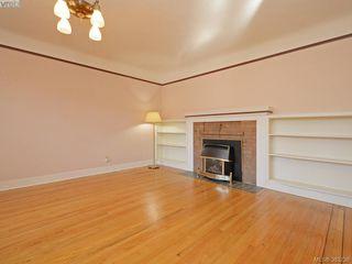 Photo 2: 641 Oliver St in VICTORIA: OB South Oak Bay Single Family Detached for sale (Oak Bay)  : MLS®# 770234