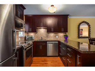 Photo 5: 2304 VINE ST in Vancouver: Kitsilano Townhouse for sale (Vancouver West)  : MLS®# V1004332