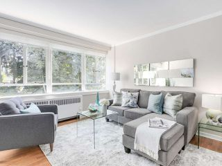 """Photo 9: 601 1445 MARPOLE Avenue in Vancouver: Fairview VW Condo for sale in """"HYCROFT TOWERS"""" (Vancouver West)  : MLS®# R2209267"""