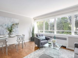 """Photo 10: 601 1445 MARPOLE Avenue in Vancouver: Fairview VW Condo for sale in """"HYCROFT TOWERS"""" (Vancouver West)  : MLS®# R2209267"""
