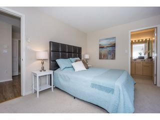 "Photo 12: 13 15968 82 Avenue in Surrey: Fleetwood Tynehead Townhouse for sale in ""SHELBORNE LANE"" : MLS®# R2209349"