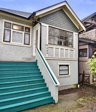 Photo 1: 1944 CHARLES Street in Vancouver: Grandview VE House for sale (Vancouver East)  : MLS®# R2232069