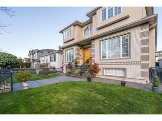 "Photo 2: 6756 RALEIGH Street in Vancouver: Killarney VE House for sale in ""Killarney"" (Vancouver East)  : MLS®# R2238937"