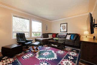 Photo 2: 1720 Leighton Road in VICTORIA: Vi Jubilee Townhouse for sale (Victoria)  : MLS®# 390628
