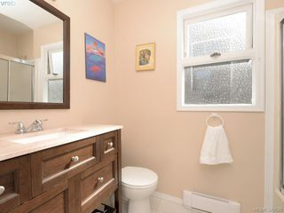 Photo 12: 1720 Leighton Road in VICTORIA: Vi Jubilee Townhouse for sale (Victoria)  : MLS®# 390628