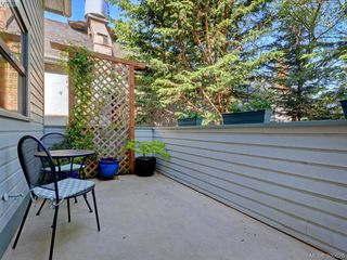 Photo 17: 1720 Leighton Road in VICTORIA: Vi Jubilee Townhouse for sale (Victoria)  : MLS®# 390628