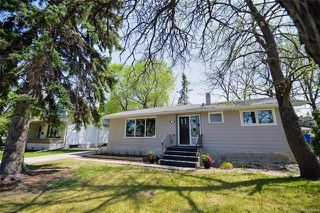 Photo 1: 18 Wakefield Bay in Winnipeg: Pulberry Residential for sale (2C)  : MLS®# 1812637